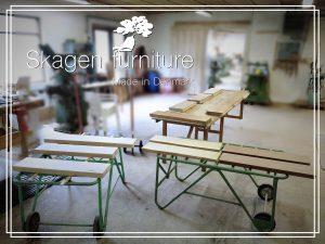 Skagen furniture bæredygtige møbler egetræs svævehylder plankemøbler